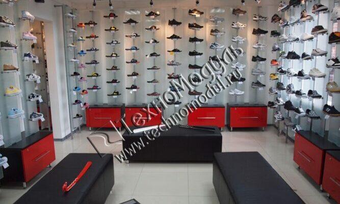 Хороший выбор кроссовок в Москве