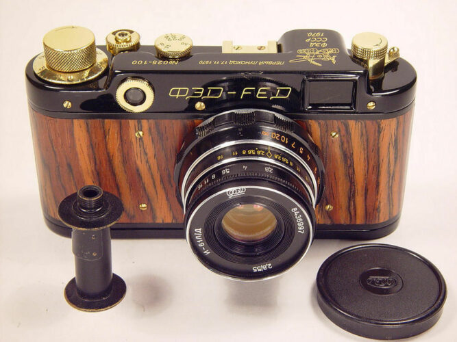 Сдача старых фотоаппаратов в Москве