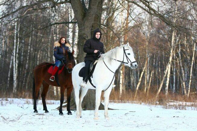 Зимняя конная прогулка