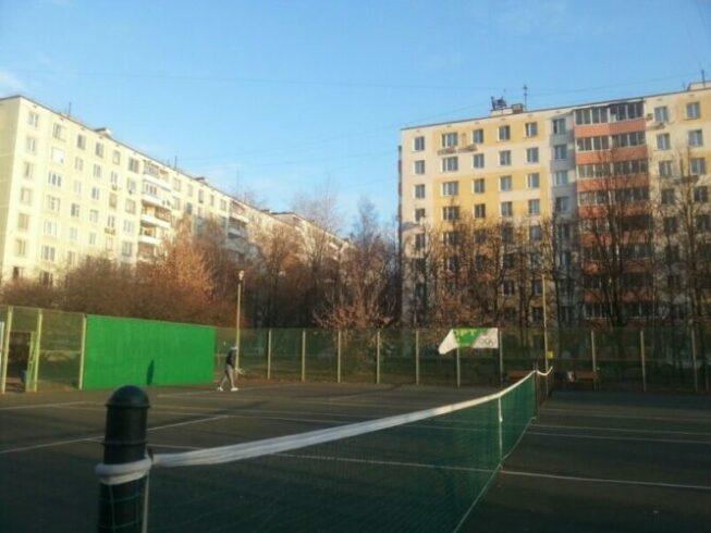 Теннисные корты в Ясенево