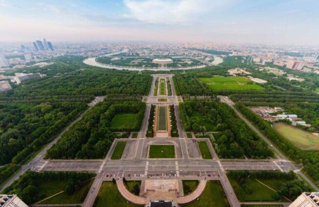 Вид со смотровой площадки МГУ имени Ломоносова
