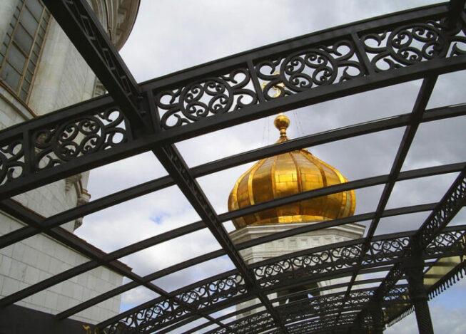 Храм Христа Спасителя в центре столицы